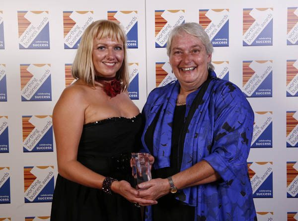 TriggerSnappy presents award to Worthing Bowls